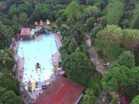 Rekreasi Keluarga di Taman Kyai Langgeng Magelang
